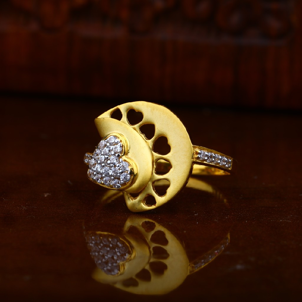22 kt gold ladies ring
