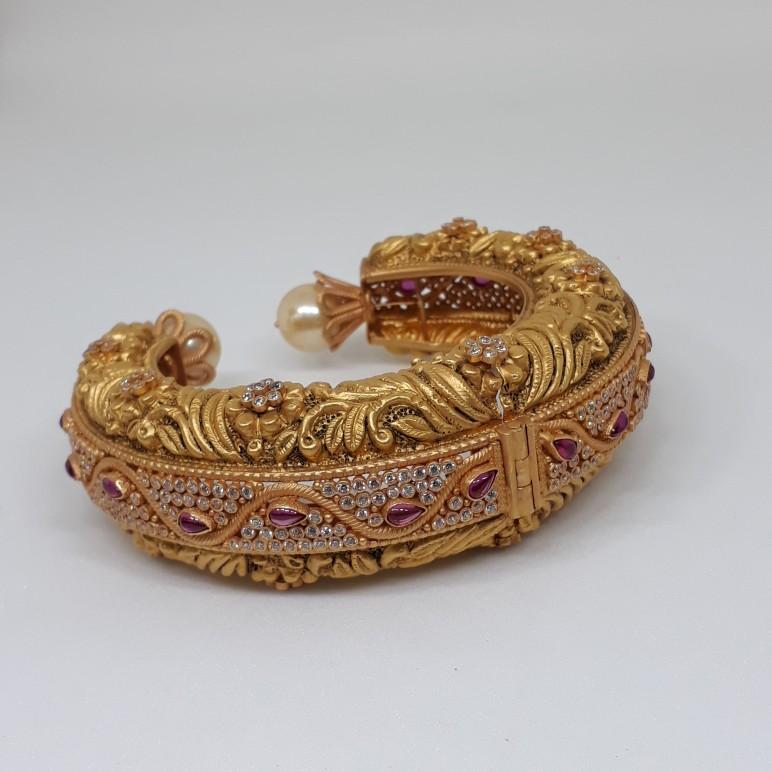 Antique  Swarovski  Kada Bracelet bgu/955/171