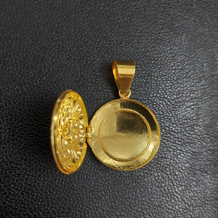 916 Gold Fancy Pendant