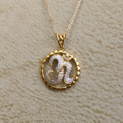22KT Gold Om Design Pendant Chain