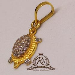 22 carat gold tortoise daimond pendal RH-PL925