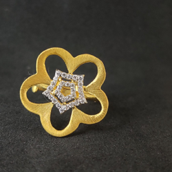 Girls Wear Desinger Flower Design Gold Ring-15030
