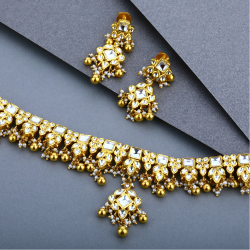 22KT Gold Kundan Necklace Set