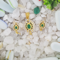 green stone Pendant set