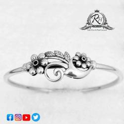 Silver 92.5 Classical Ladies Bracelet RH-LB493