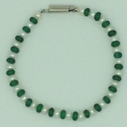 White Flat Pearls And Green Semi 1 Layers Bracelet JBG0111