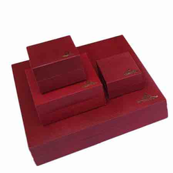 Red Classic LiZ jewellery box