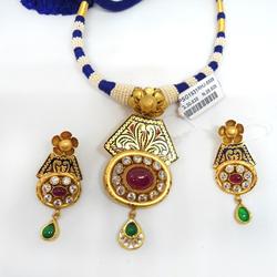 22KT gold Antique Studded Necklace Set RHJ-5508