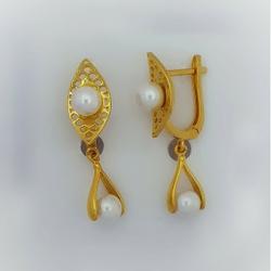 PEARL BALI by Madhav Jewellers (TankaraWala)