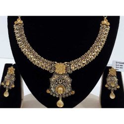 22 Carat Light Weight Antique Jadtar Set