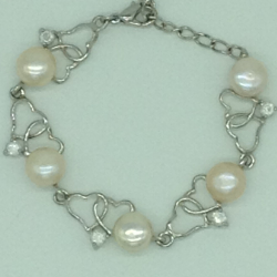 Cream Button Pearls With CZ Stones White Alloy Heart Bracelet JBG0210