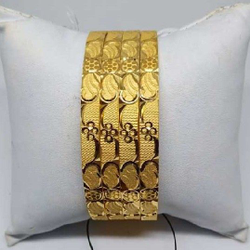 Bangles by Aaj Gold