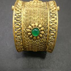Gold Kada by Kundan