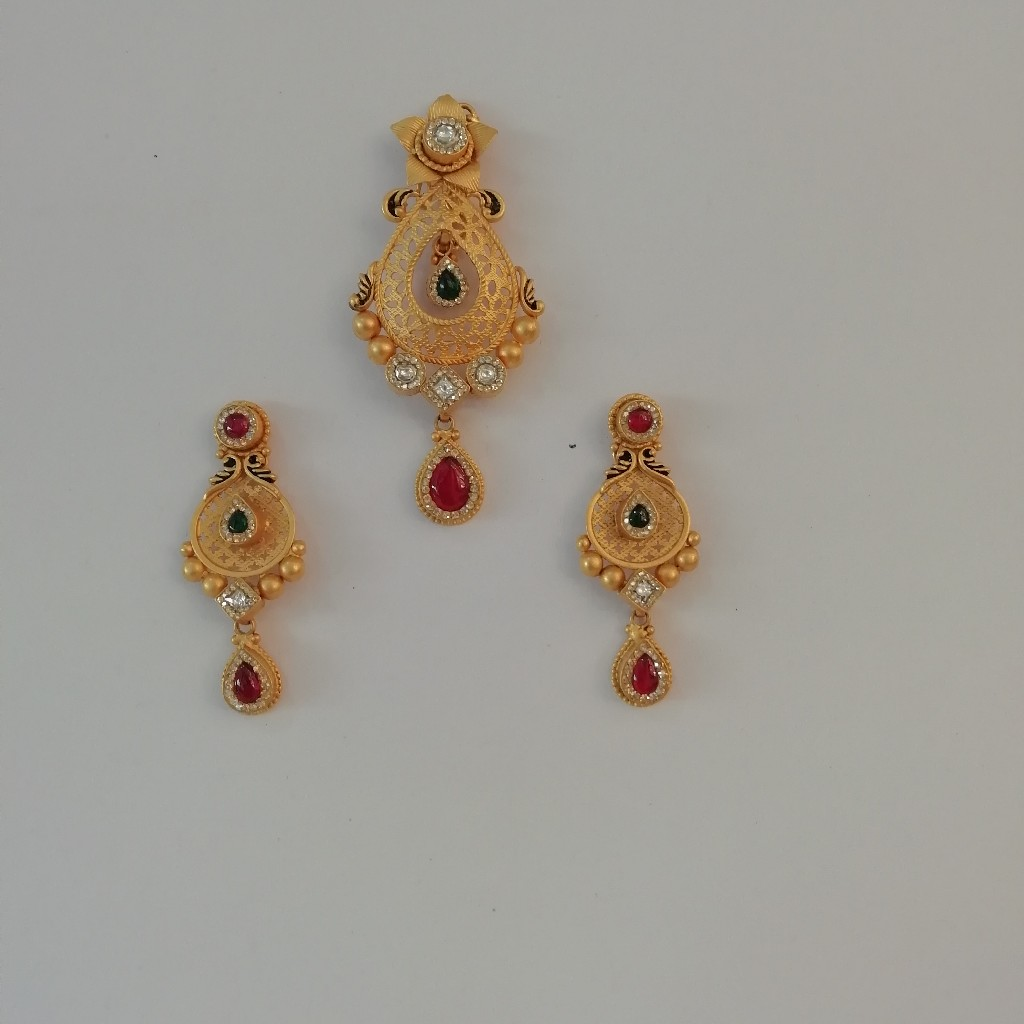916 gold fancy antique jadtar butty pendant set