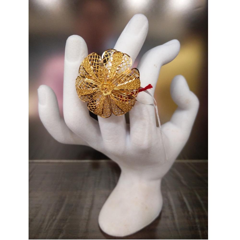 22Kt Gold Fancy Cocktail Ring For Women GK-R04