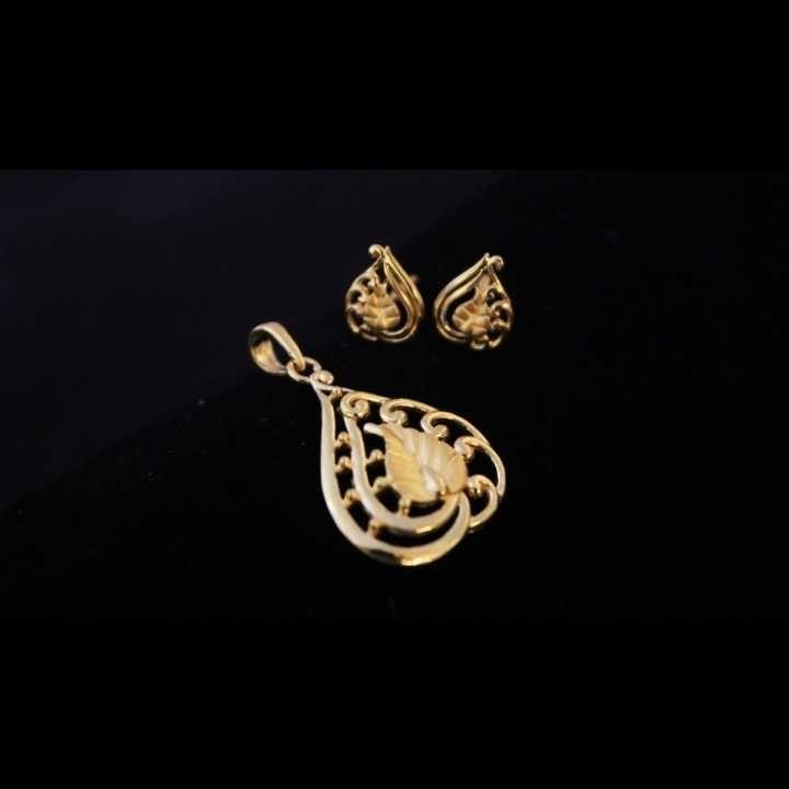 22 K Gold Fancy Pendant Set. nj-p01204