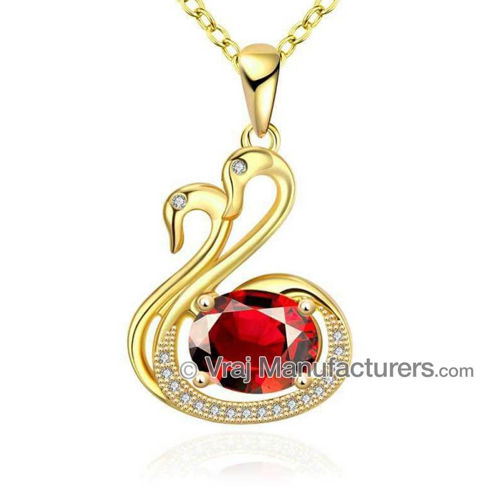 916 Gold Swan Pattern Classic Pendant Chain