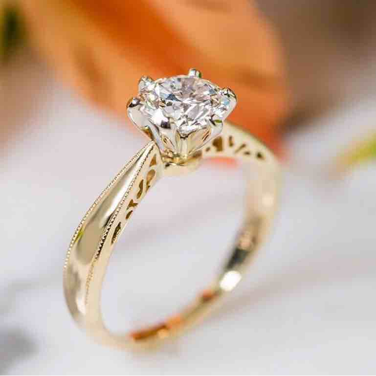 18KT Real Diamond Designer Solitaire Ring