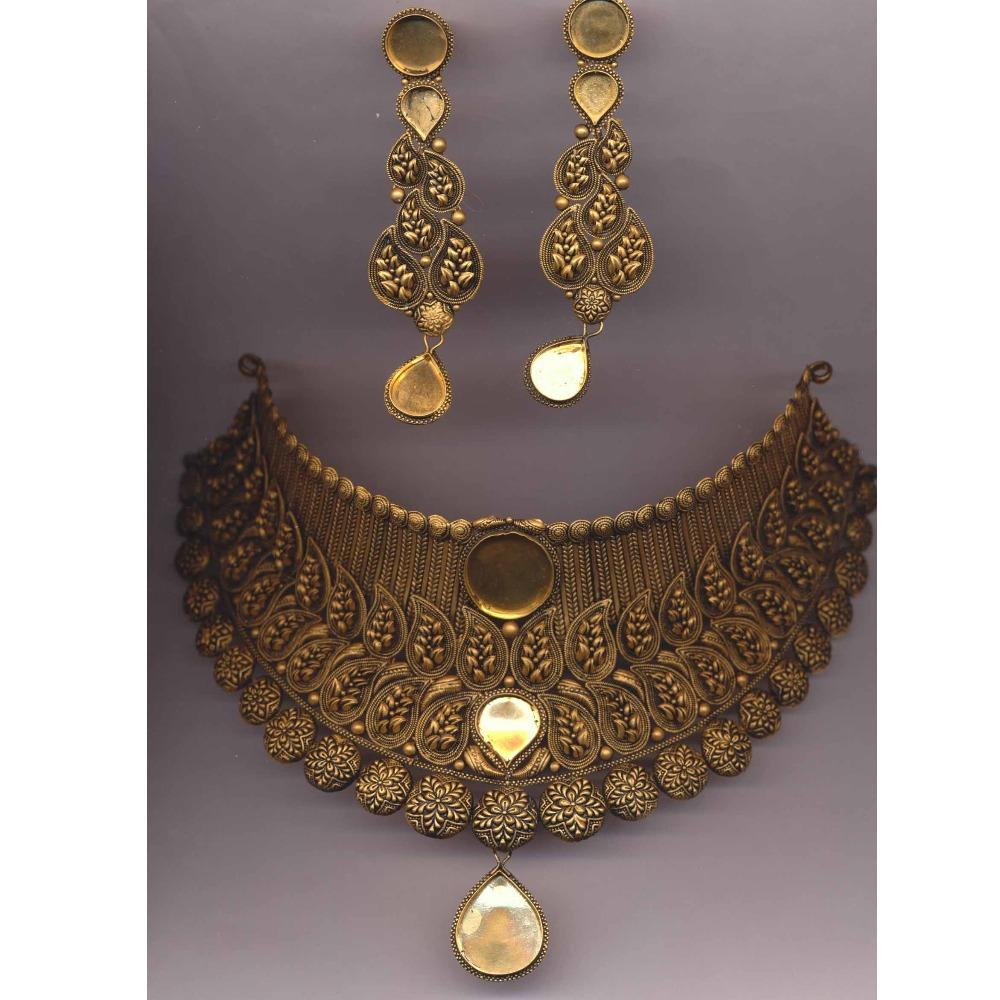 916 Gold Hallmark Antique Mango Design Khokha Choker Set