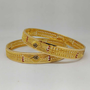 22 kt gold culcutti bangle