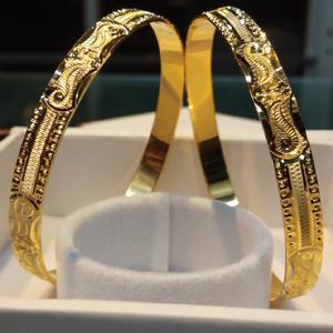 916 gold cnc bangles