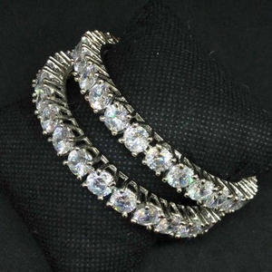 Ad diamond designed forming bangle