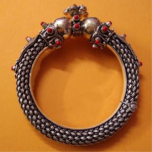Handcrafted rajputana style gokhru bangles wi