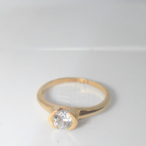 18kt yellow gold pain soliter diamound daily