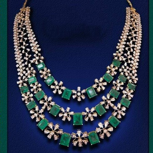 22kt gold necklace with emerald green style s