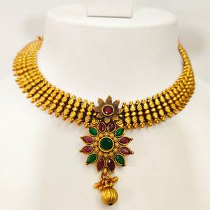 Gold polish flower work design kundan choker