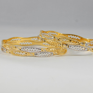 22kt yellow gold astounding shell bangles for