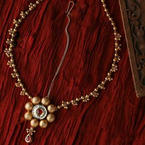 22kt / 916 gold antique wedding jadtar mang t