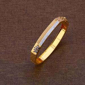 Gents modern bracelet 916