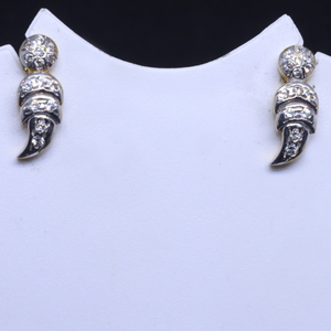 22kt / 916 gold small delicate earring for la