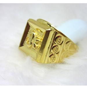 Gold rectangle om ring