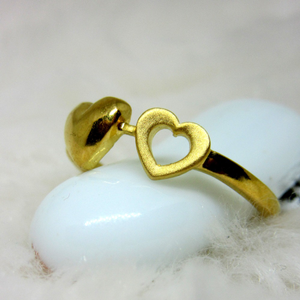 Gold twin hearts ring