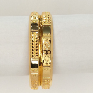 916 gold hallmark bombay style bangle