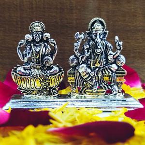 Silver oxidized ganesh ji-lakshmi murti (soli