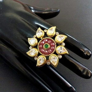22 kt 916 gold antique ring for ladies