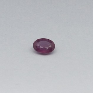 1.705ct oval red ruby-manek