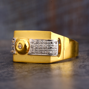 22ct cz  gold hallmark fancy gentlemen's ring