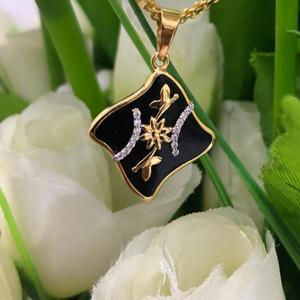 18k gold swarovski diamond pendent pjp002