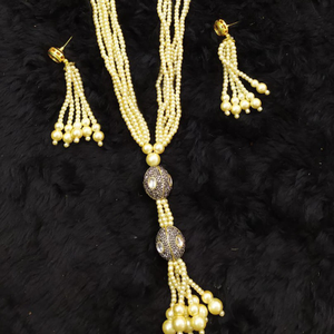 Beautiful pearls necklace#827