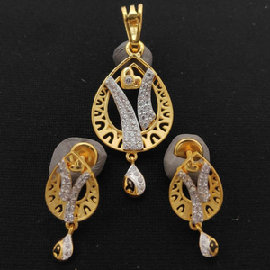 91.6 22k gold synthetic stone pendent earring