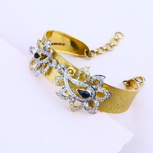 Ladies 18k italian gold kada bracelet-lib05