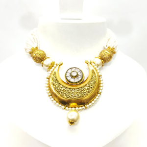 Moon style choker kundan work with hangin whi
