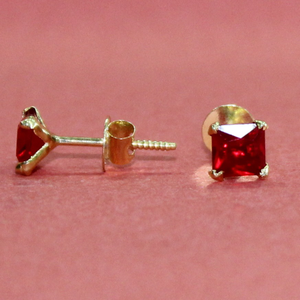 18kt gold red color stone square casual wear
