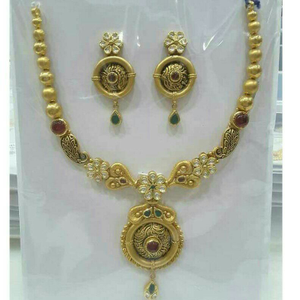 22k / 916 gold antique jadtar necklace set