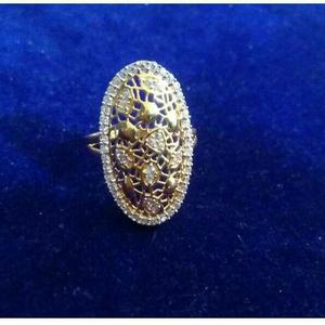 22k / 916 gold designer ladies yellow ring