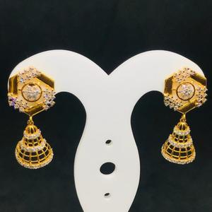 18 carat gold drop earring bt0057